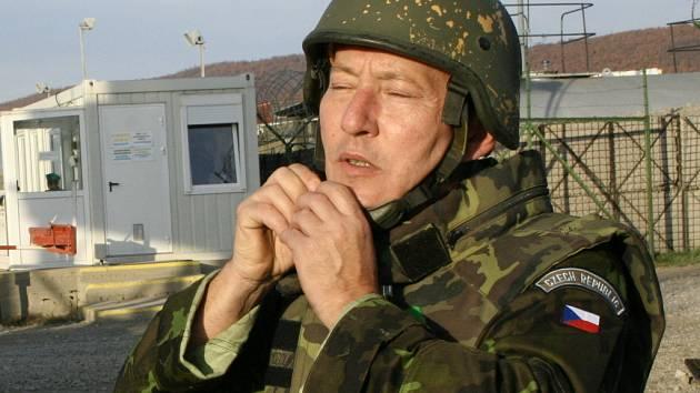 Kameraman z Hranic Vlastimil Mach má už za sebou misi v Kosovu. Teď se chystá do Afghanistanu.