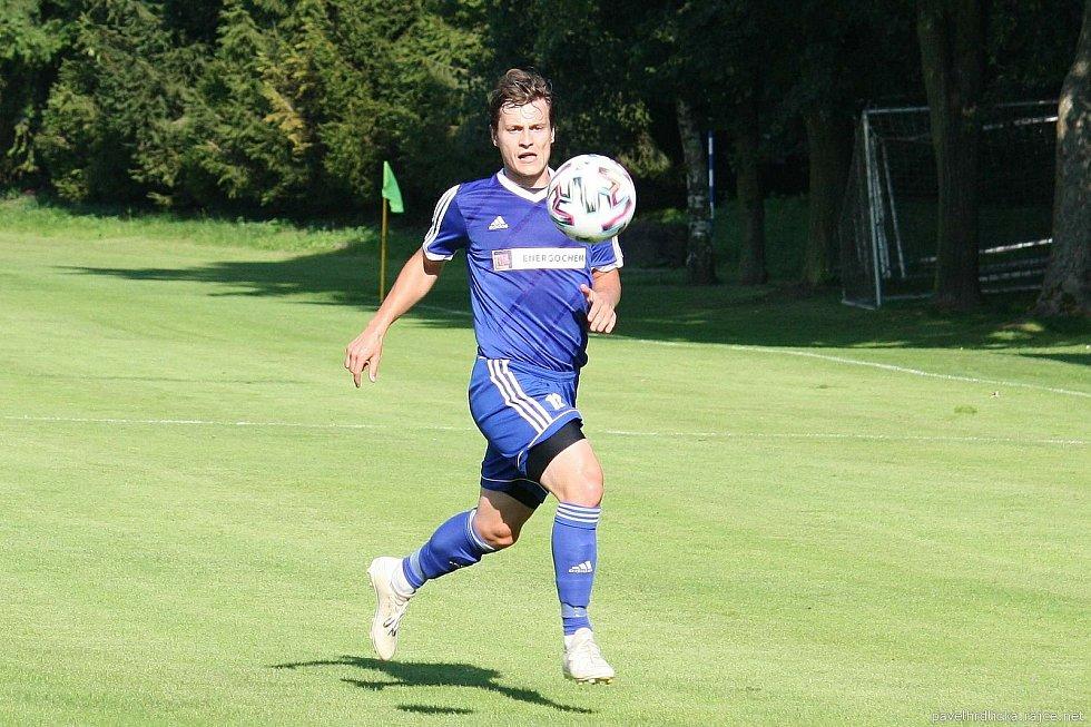 Fotbalisté Všechovic (v modrém) proti Brumovu (3:1). Adam Hrdlička
