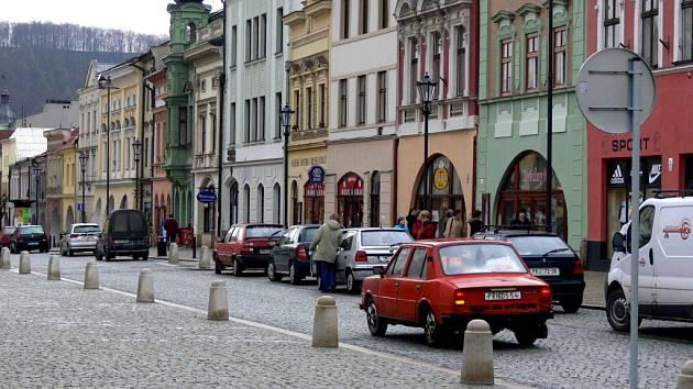 Město si vzalo k srdci připomínky obyvatel Hranic, zkrášlí náměstí.