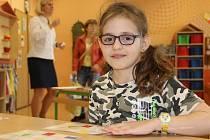 Zápisy do prvních tříd v Hranicích. Dlouhé fronty si vystáli rodiče s dětmi i na chodbě Základní školy 1. máje, kde probíhaly zároveň zápisy do zdejší Základní umělecké školy.