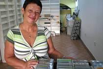 Věra Baizová se po dvaceti letech rozhodla ukončit činnost jediného ochodu s hudbou v Hranicích