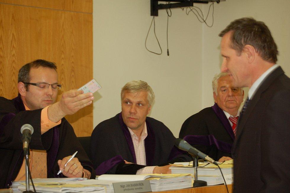 V květnu 2008 odmítl u přerovského soudu Jiří Čunek vypovídat.