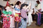Na karnevalu nechyběli šašci a princezny.