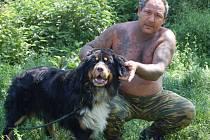 Třináctiměsíční bernský salašnický přežil jen díky tomu, že se mu podařilo prorazit pletivo kotce.