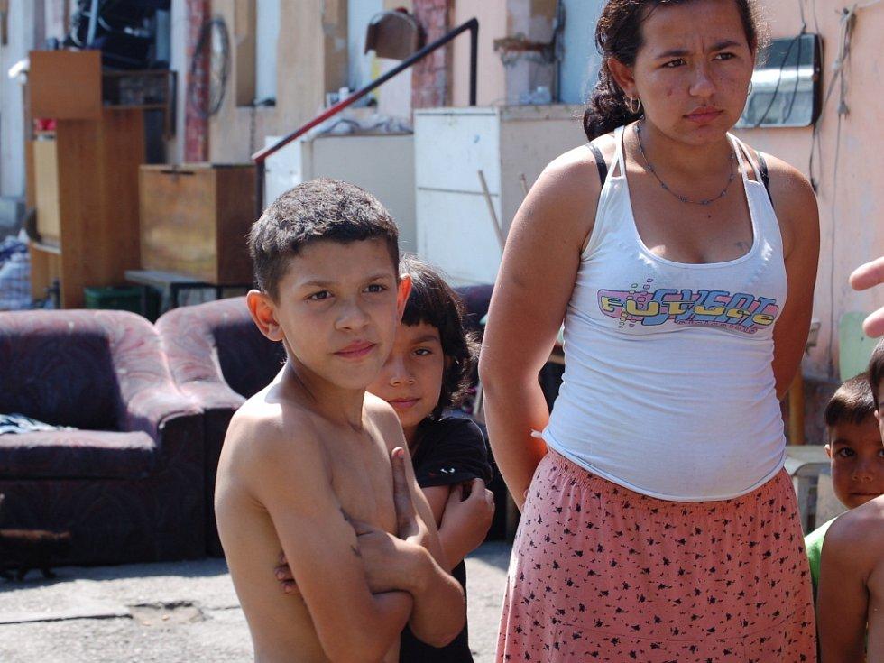 Romové z Tovačovské ulice v Přerově jsou celou událostí otřeseni.