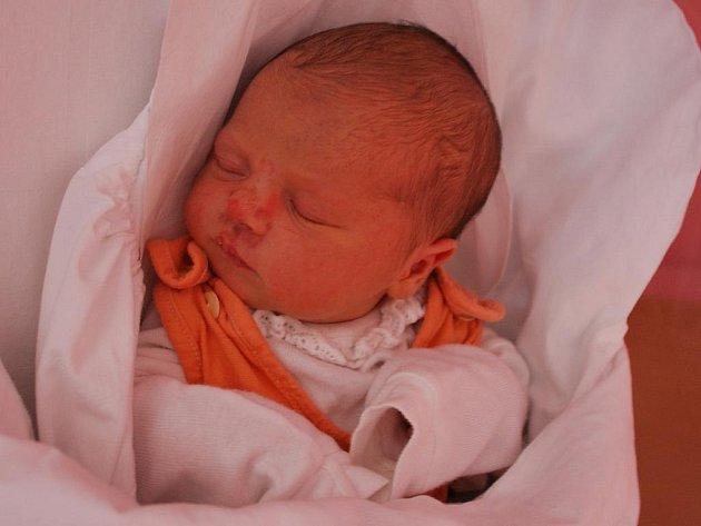 Sofie Strachoňová, Přerov, narozena 13. října v Přerově, míra 49 cm, váha 3 140 g.