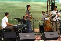 Formace Urban Quintet složená ze studentů Konzervatoře Jaroslava Ježka hraje jak vlastní tvorbu, tak zajímavé aranže jazzových standardů.