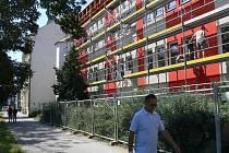 Ve škole na třídě 1. máje stále probíhá rekonstrukce školní jídelny.