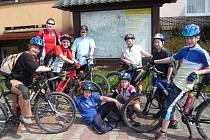 Velikonoční prázdniny si zpestřili členové cyklokroužku při DDM v Hranicích výletem do vyhlášené pizzerie v Osíčku.