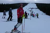 Michal Kuča při prohlídce slalomu republikových klasifikačních závodů (RKZ) na Stohu