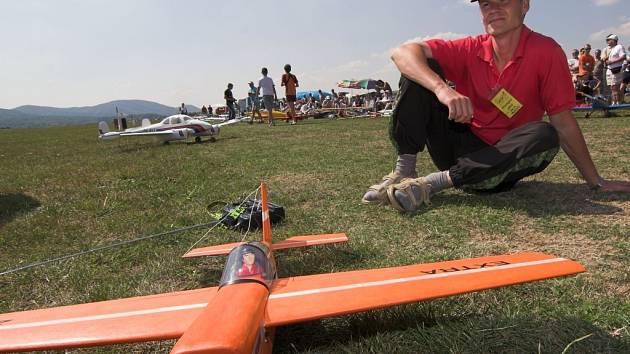 Drahotušské letiště hostilo již třináctý ročník setkání milovníků leteckých modelů.