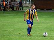 Fotbalisté Ústí (v bílém) v přípravném utkání proti FK Kozlovice. Patrik Sikora.
