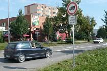 Řidiči nákladních automobilů se musí vyhnout centru města.
