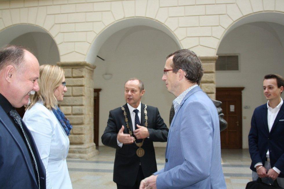 Návštěva ministryně pro místní rozvoj Karly Šlechtové v Hranicích