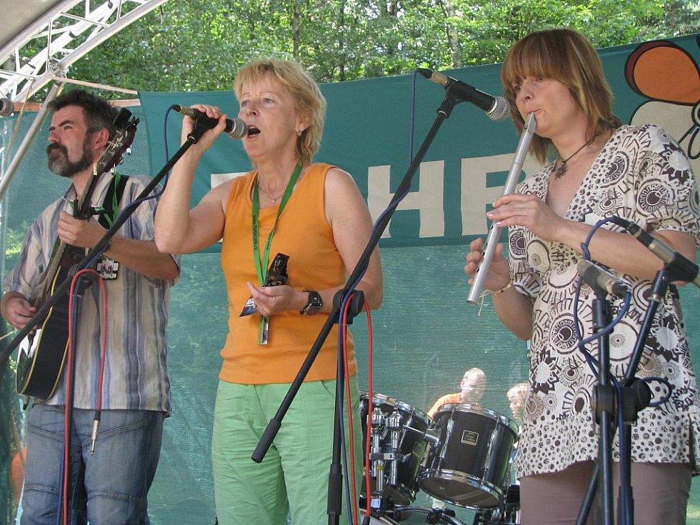 Na folkové zahradě vystoupila i kapela Špunt z Přerova.