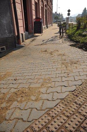 Nový chodník vulici 28.října vHranicích