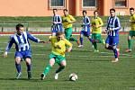 Fotbalisté Hranic (v pruhovaném) proti Rýmařovu