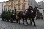 Patron lovců, svatý Hubert, objížděl se svou družinou Hranice s pozváním na sobotní Hubertskou zábavu