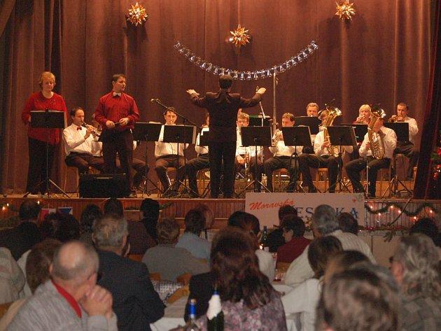 Moravská Veselka a polský mládežnický orchestr se setkali na jednom pódiu v Pavlovicích u Přerova.