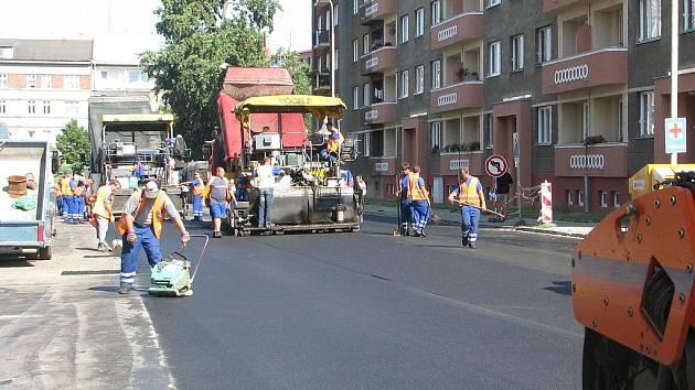 Nejvíce rozkopané jsou nyní Wurmova a Smetanova ulice v blízkosti soudu.
