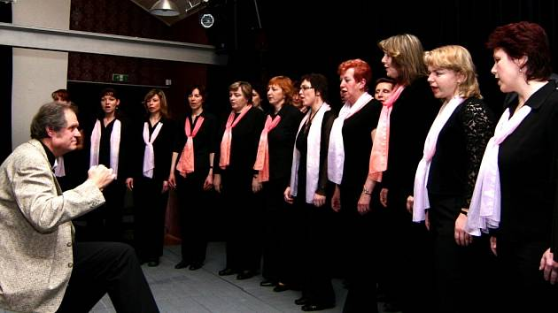 Hranický sbor Harmonia křtil své nové CD.