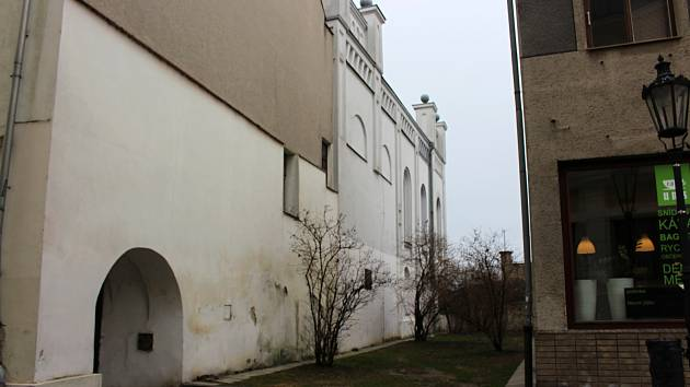 Okolí hranické synagogy