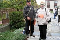 Nadšení turisté: Čtyřiaosmdesátiletý František Král a jeho o čtyři roky mladší žena Věra.