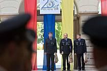 Vyznamenání nejlepších policistů ve dvoraně hranického zámku