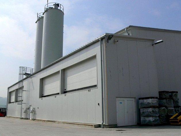 Výrobní hala v Drahotuších už jede naplno, provoz se prý zklidnil