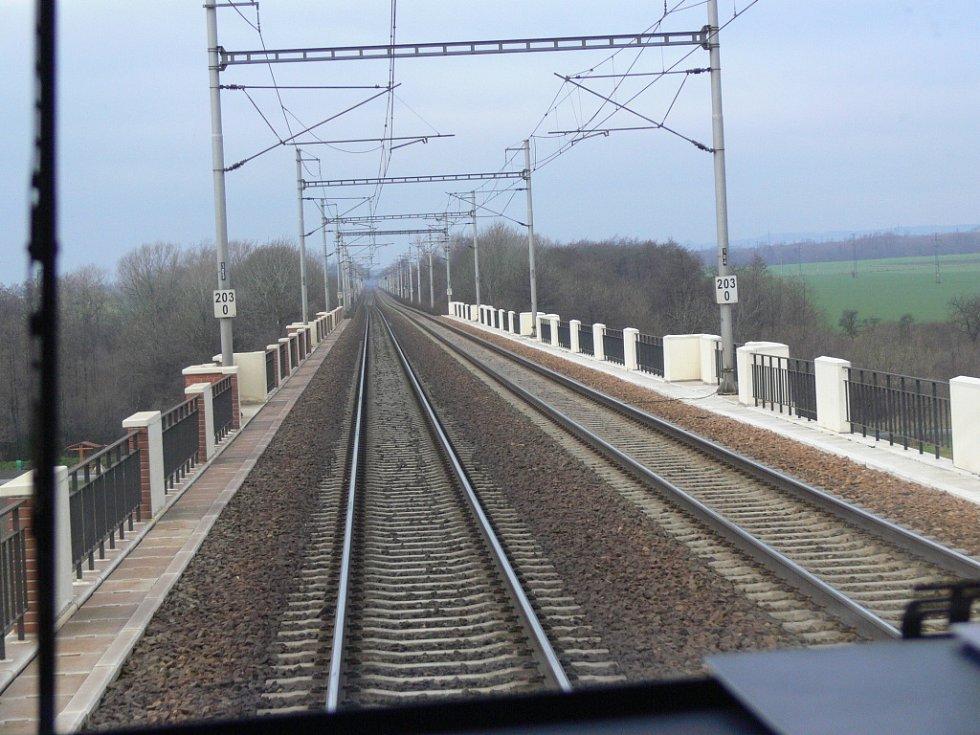 Během čtyřiadvaceti hodin projedou mezi stanicemi Hranice na Moravě a Prosenice téměř čtyři stovky vlaků.