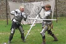 Známá přerovská šermířská skupina Markus M sklidila za své vystoupení na dětském dni na hradě Helfštýně velký aplaus.
