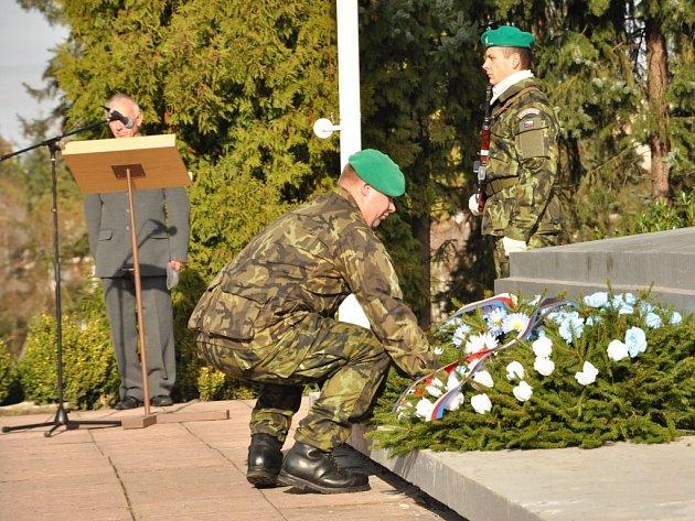 Pietní akce ke Dni veteránů na hranickém hřbitově
