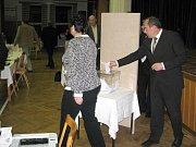 Hraničtí zastupitelé zvolili na své ustavující schůzi starostku, místostarostu a členy městské rady.