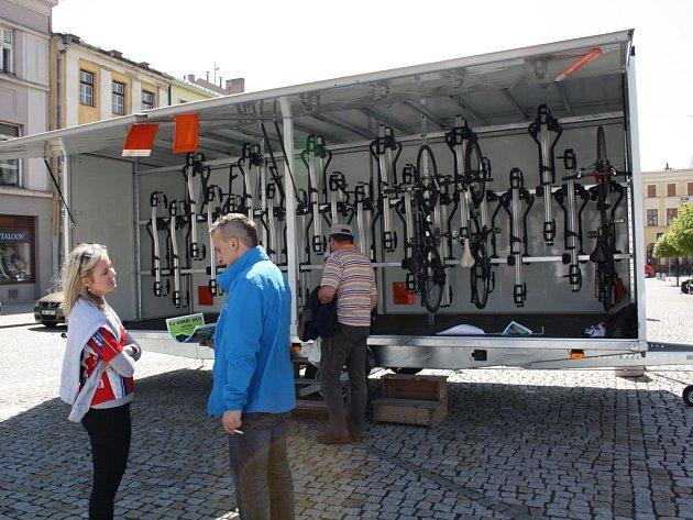Sokol Ústí jako první na hranicku zakoupil cyklopřívěs kautobusu. Jeho kapacita je 40kol. Poprvé vyjede do terénu vpátek 8.května.