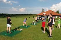 Den žen na golfu v Radíkově.