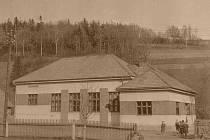 V roce 1932 vybudovali Orlové ve Stříteži nad Ludinou Lidový dům.