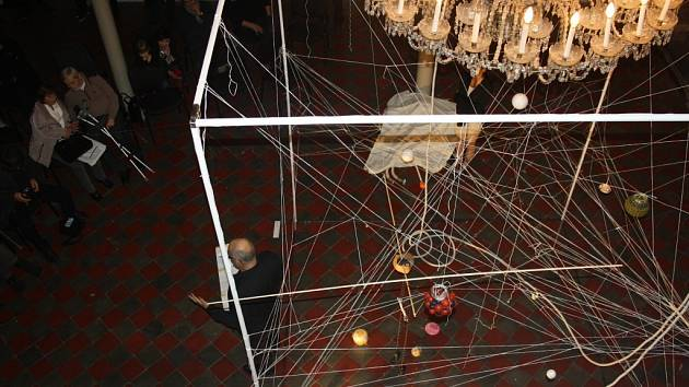 Vernisáž výstavy Diatríba na kosmologické téma v hranické Synagoze