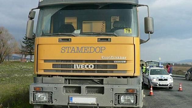 Celníci se zaměřili na kamiony.