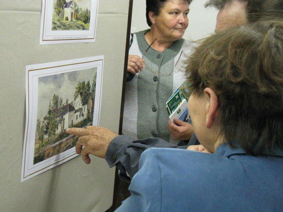 V zasedací místnosti si lidé prohlédli výstavu akvarelů nejen ze Stříteže, ale i z jiných okolních obcí.