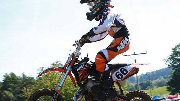 Jan Dresner se věnuje motokrosu za pomoci rodičů již druhým rokem.