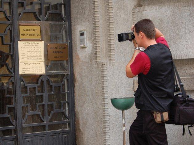 K incidentu došlo v budově odboru sociálních dávek ve Smetanově ulici.