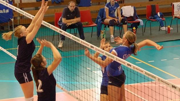 Juniorky PVK Přerov Precheza doma podlehly pražskému Olympu dvakrát 0:3.