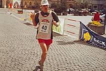 Jiří Březina je českým rekordmanem v počtu dokončených maratonů. Na svém kontě jich má přes 450.