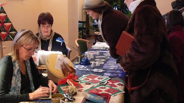 Ježíškova dílnička nabídla pestrou inspiraci pro výrobu vánočních dekorací nebo dárků.