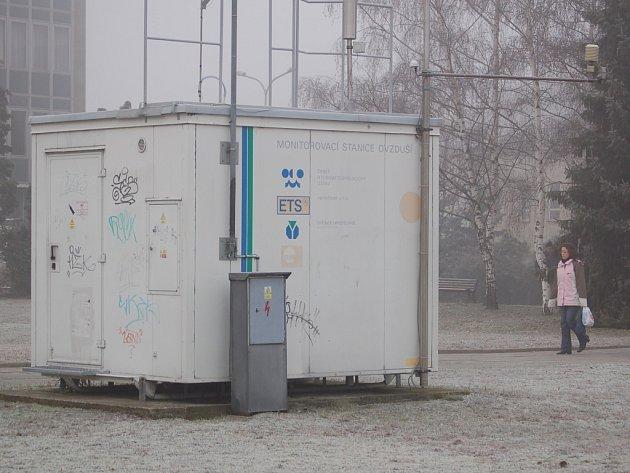 Kvalitu ovzduší v Přerově měří pracovníci přerovského magistrátu pomocí monitorovací stanice.