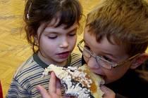 Děti z mateřských škol soutěžily v pohádkových disciplinách.