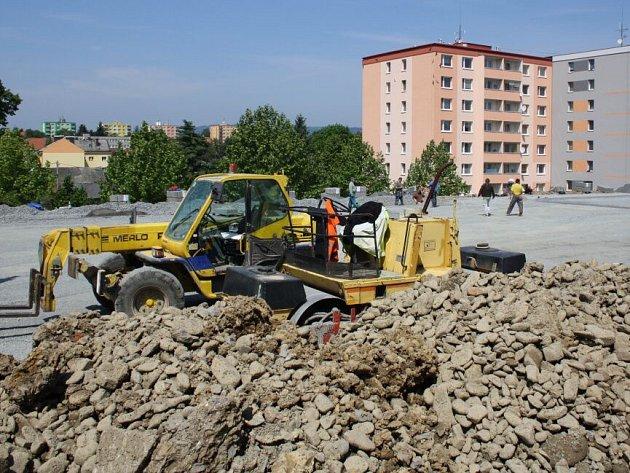 Budování hřiště u ZŠ 1. máje v Hranicích