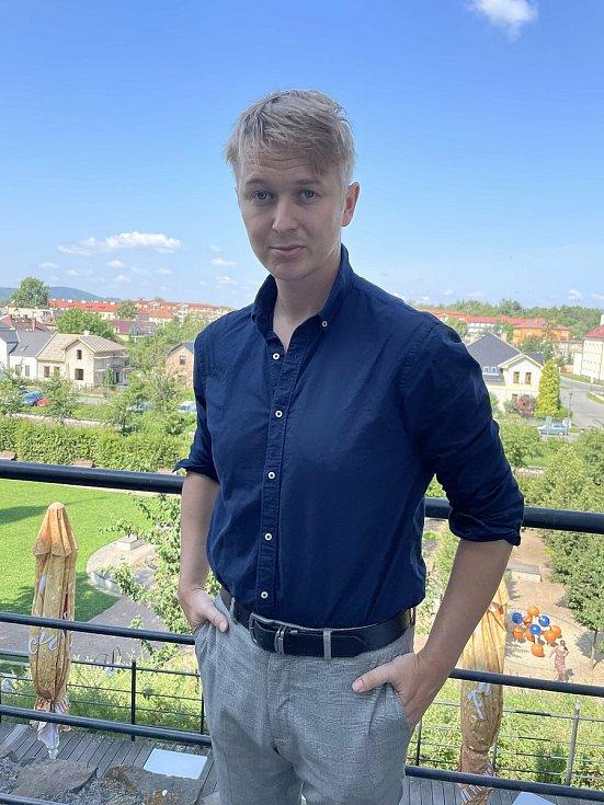 Český tvůrce Jan Kellner z Jezernice získal  za krátký snímek Bagman druhou cenu v soutěži začínajících filmařů na festivalu ve francouzském Cannes, 19. července 2021