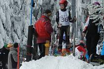Michal Kuča na startu závodu v obřím slalomu UKZ na Grůni
