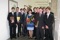 Předávání maturitních vysvědčení studentům Střední průmyslové školy v Hranicích